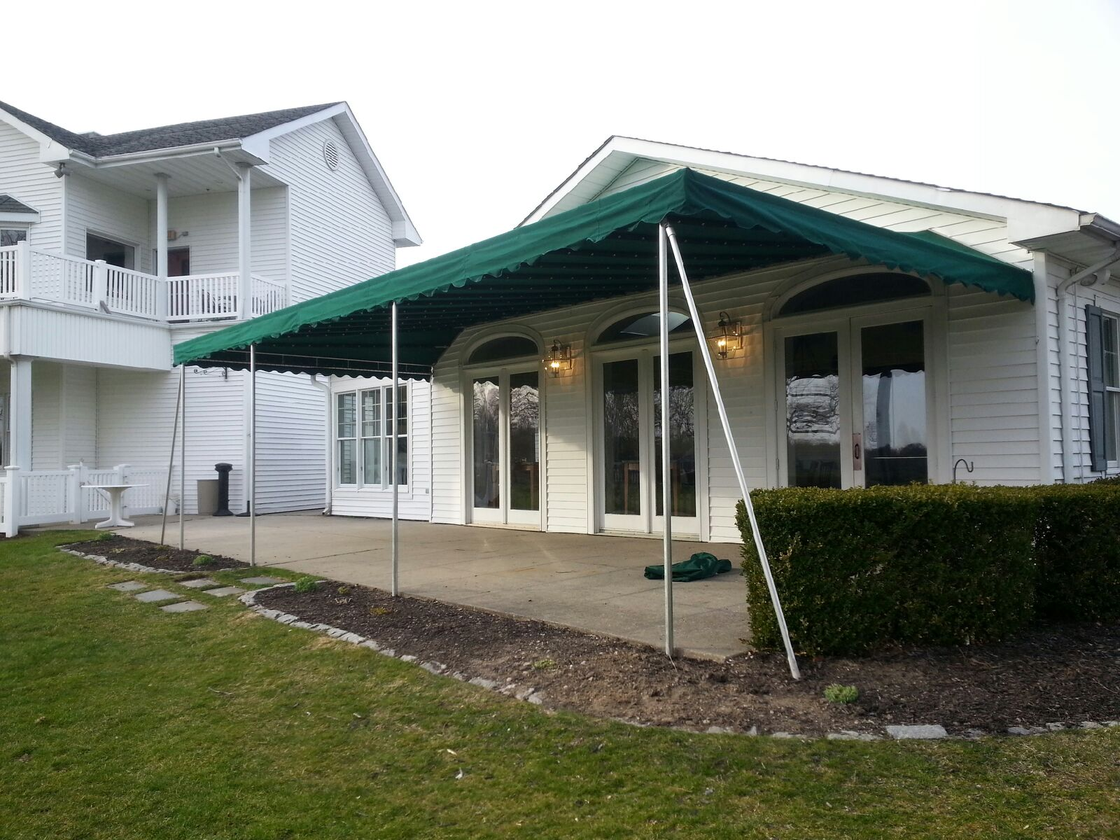 Awnings | Sunbrella | Retractable | Patchogue, NY