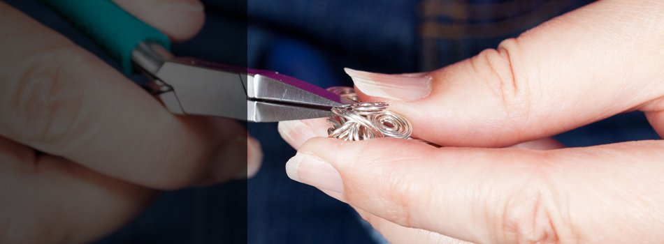 A tip of a wire splitting using a pliers