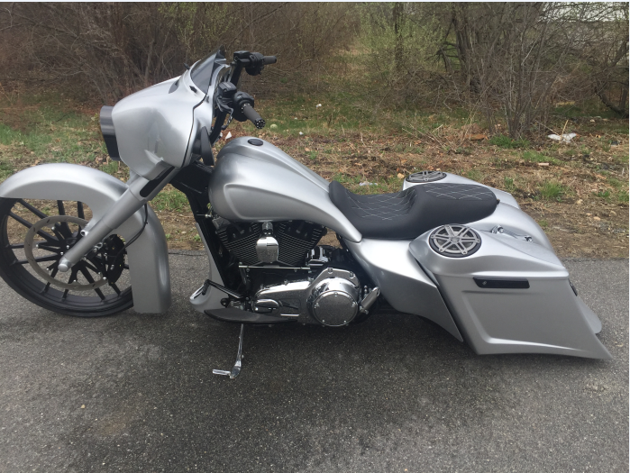Silver Street Glide | Motorcycles | Motorbikes