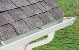 Gutter maintenance | Mercerville, NJ | Flesch's Roofing | 609-503-4407