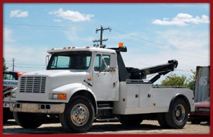 Auto towing | Holton, KS | Reino's Towing LLC | 785-364-3723