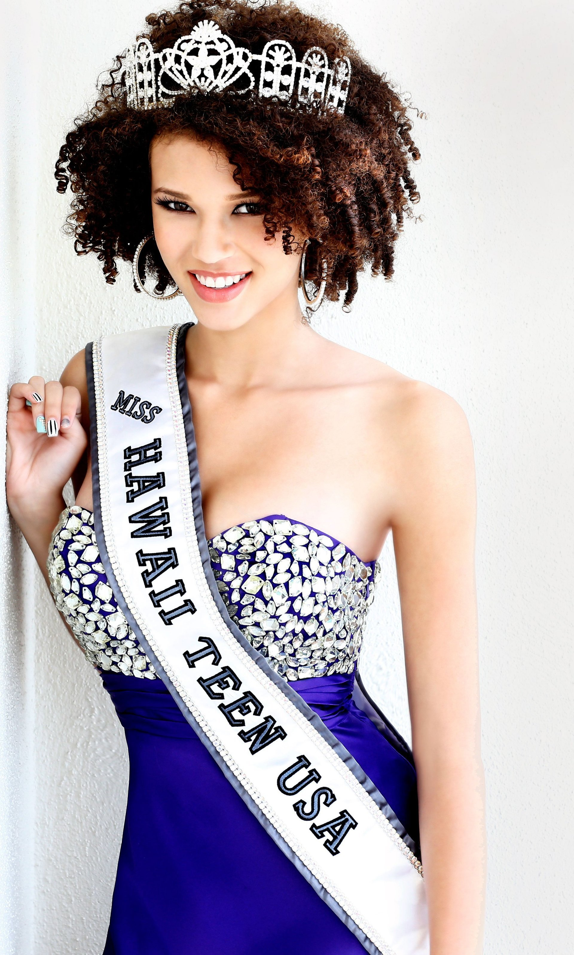 2013 Samantha Neyland (Top 16 at Miss Teen USA)