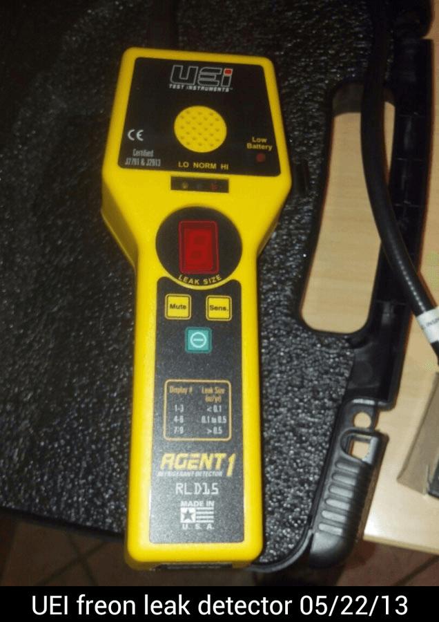 UEI Freon Leak Detector
