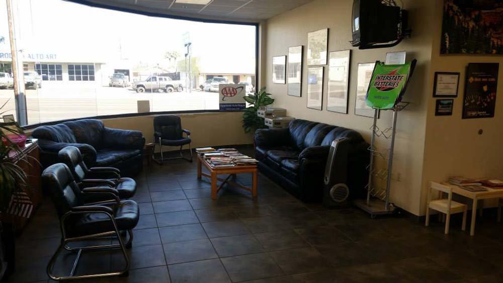 auto shop waiting area