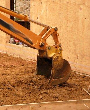 Bobcat backhoe service | Pittsburgh, PA | A Doleno Sewage Lines | 412-670-8366