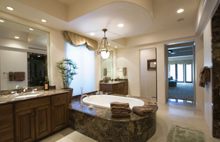 nice bathroom with bathtub