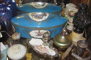 Antique Beauty Kits