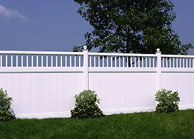 Fence Madison, WI Struck & Irwin Fence Inc Lexington - Chesterfield Vinyl with Victorian Accent