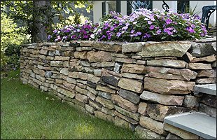 Rock Walls | University Place, WA | Superior Rock Wall | 253-565-6208