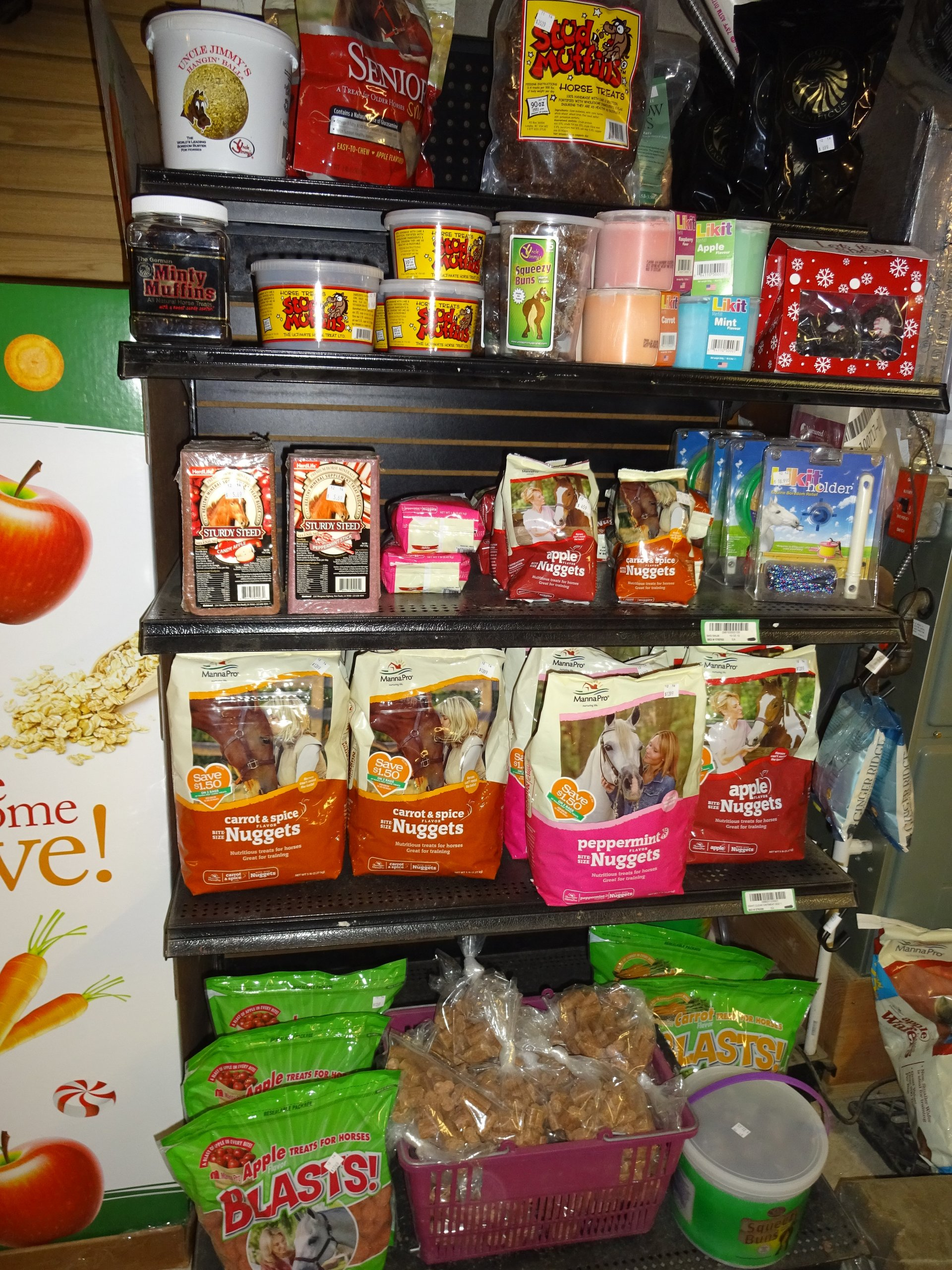 Horse Feed and Supplements, Pet Store in Media