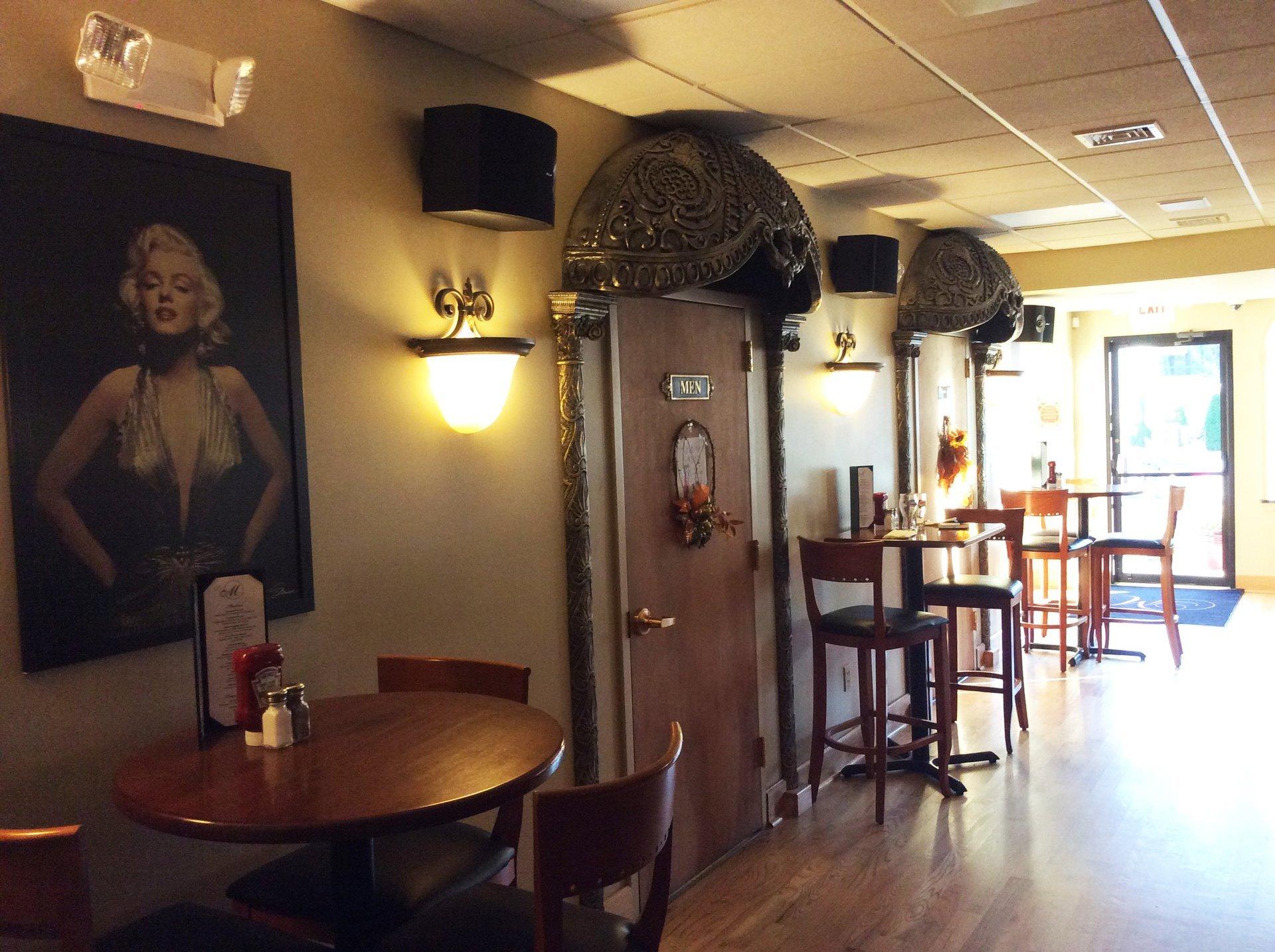 Marilyn's Pub Restaurant