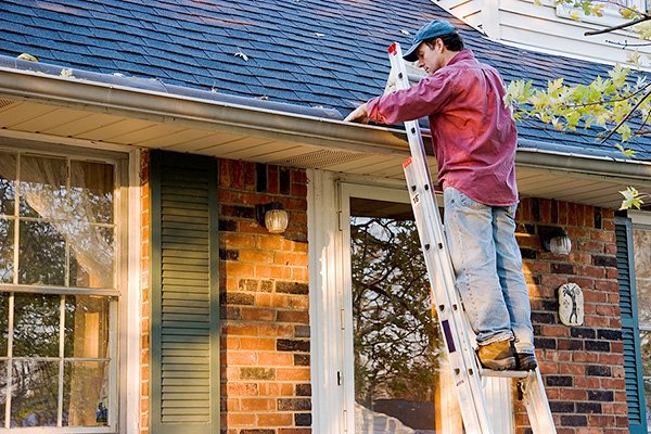 Dangers Of Cleaning Gutters