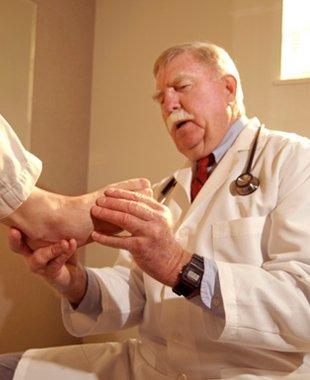 Podiatry care | New Haven, CT | Richard B. Feldman D.P.M., FACFAS, LLC | 203-933-7477