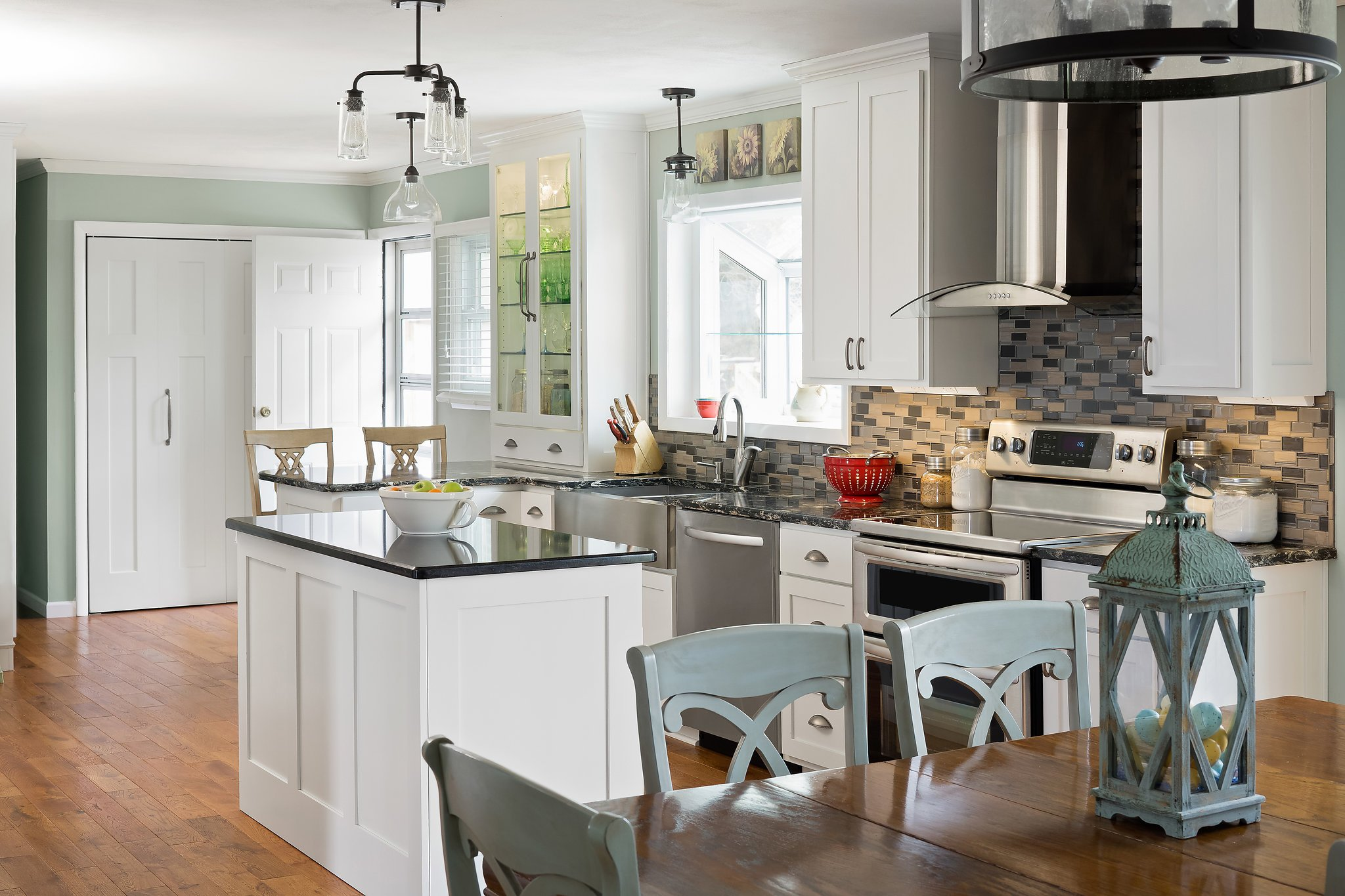 WHAT CABINET HARDWARE FINISH SHOULD YOU CHOOSE!