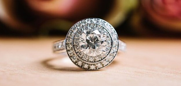 Diamonds used on ring