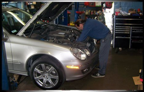 Oil, Lube and Filter Change   Allentown , PA   Park Manor Automotive   610-395-6712