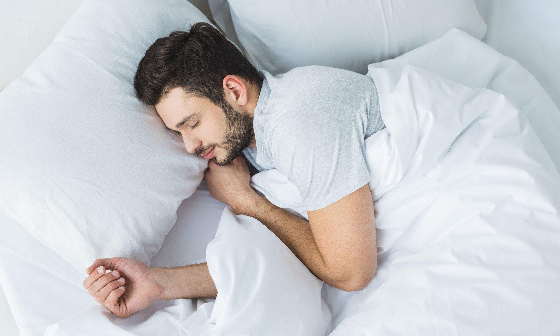 уснула у парня дома - 12