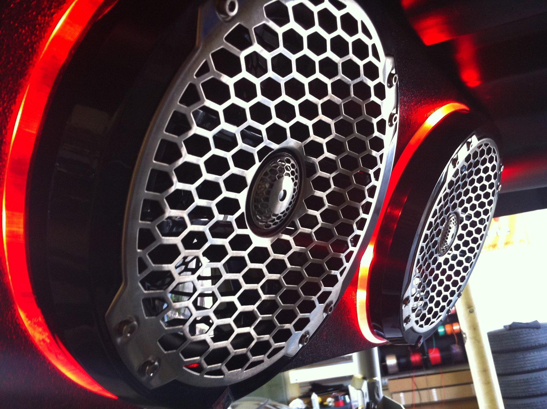 UTV speaker
