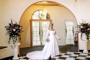 The Mansion Grand Foyer arched entrance