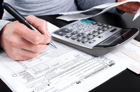 Women Filling Tax Service 1040 Application