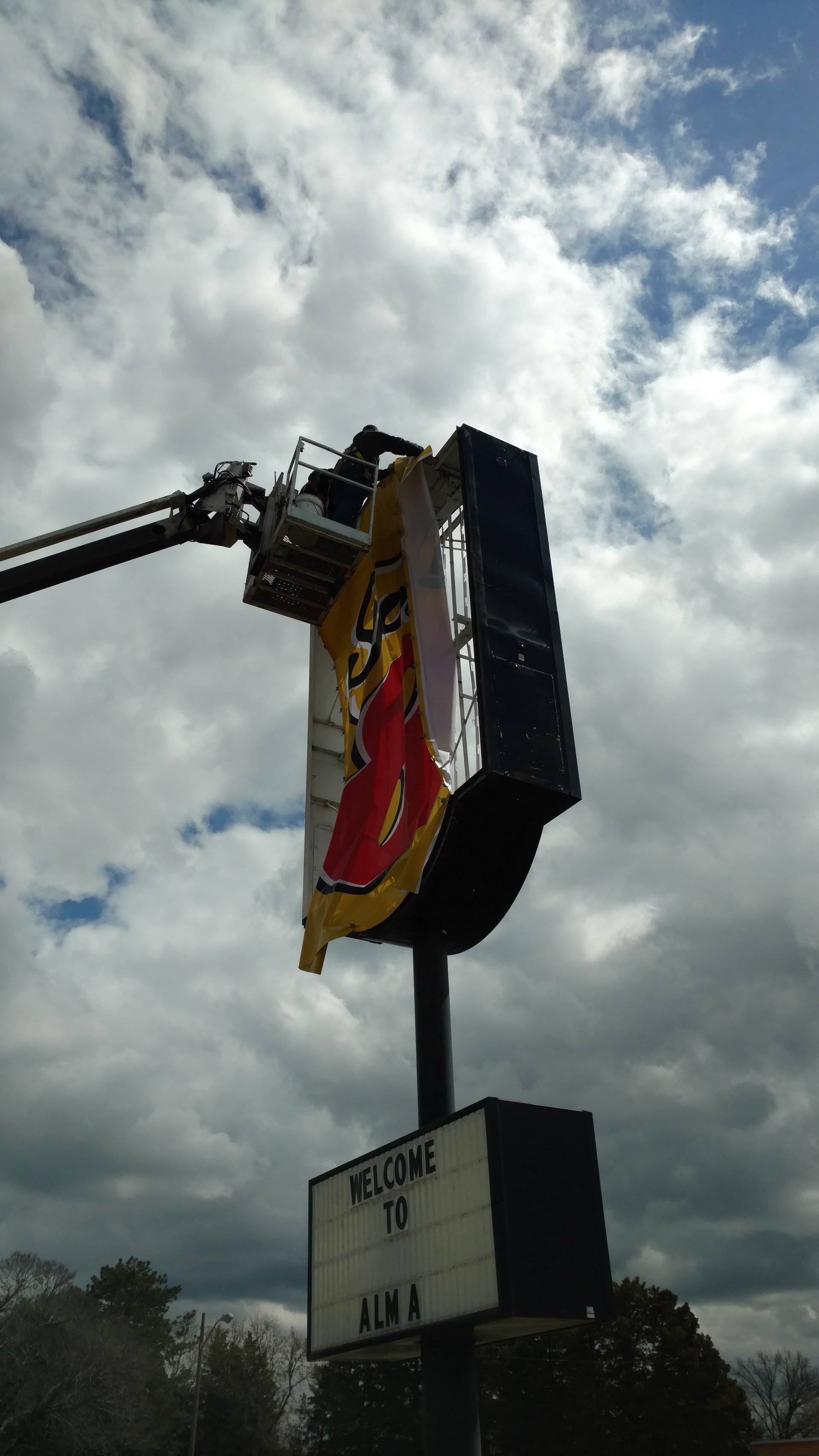Sign Installation services