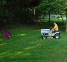 lawn maintenance - Lincoln, NE - Gray and Grandpa's Mowing, Inc. - Lawn Mowing